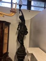 Jelzett Nőalakos barokk bronz kandelláber -szobor