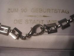 U11 Ezüst színű lánc 77 cm hosszú
