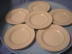 U11 Antik vitrintárgy aranyozott jelzett tányérok domború mintával