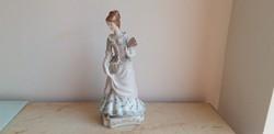 Hollóházi porcelán barokk legyezős hölgy