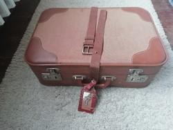 Retro Embe kis barna bőrönd, koffer