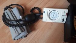 Sanoquell vérnyomás-és pulzusmérő