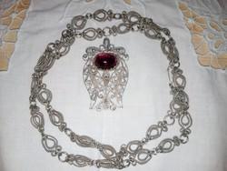 Antik ezüstözött lánc, ametiszt medállal
