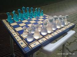 ELADÓ új különleges sakk készlet, üveg hatású