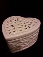 Szív alakú áttört mintás kerámia tároló