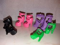Barbie baba cipő 10 pár + 10 db ruha új