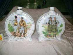 Két darab porcelán kulacs