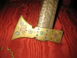 Fokos avagy sétabot , rézből,   szép kézi munkával díszített  , színes berakásokkal 90 cm