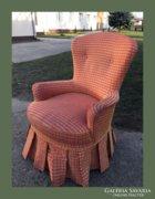 Romantikus,szoknyás fotel