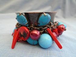 Luxus dizájner karkötő látható a foton eredeti korral türki és gyöngy