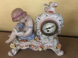 Porcelán óra