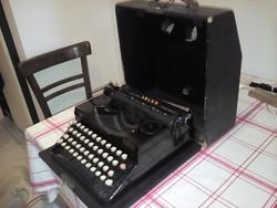 Adler  írógép eladó jó állapot