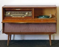 0W563 Retro szekrénylemezjátszó és rádió Szeged