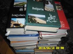 16 db útikönyv