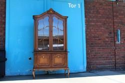 Warrings kétajtós vitrines szekrény 110x200x45cm