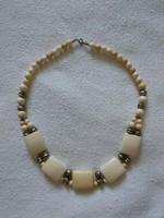 Csontszínű női nyaklánc