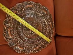 Nagy, nehéz bronzírozott dombormű-tál, római leányzóval