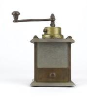 0X438 Régi kisméretű fém kávédaráló
