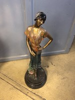 Festett bronzszobor nő alak jelzett