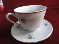 Zsolnay porcelán teás csésze + alátét. Hófehér alapon virágmintás. Antik, pajzsmintás.