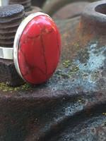 Gyönyörű ezüst gyűrű!! nagy festett howlit? kővel !!