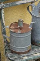 Kisméretű olajos kanna