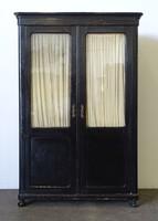 0X560 Antik fekete üveges könyvszekrény 190 cm