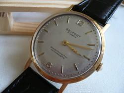 Belfont egy 18 karátos aranyból készült óra a ritkaságok és különlegességek kedvelőinek