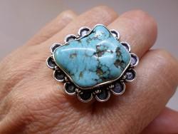 Szép  ezüstözött nagy gyűrű türkizkék kővel