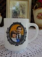 Prince Charles & Lady Diana Spencer  házasságuk emlékére készített Angol tejüveg emlék bögre 