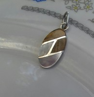 Gyöngyházas ezüst medál