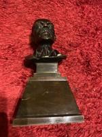Nagymeretu különleges Lenin szobor eladó!Ara:60.000.-