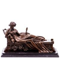 Pihenő női akt - bronz szobor
