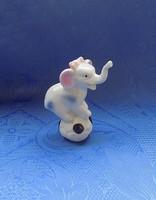 Porcelán cirkuszi elefánt figura 10 cm magas (po-1)
