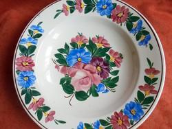 Kézzel festett Kispest porcelán rózsás falitányér