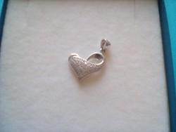 Cirkon köves ezüst szív medál