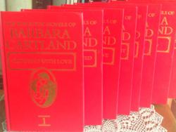 Barbara Cartland Red Bound romantikus novella sorozatának 8 könyve angol nyelven