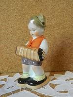Bodrogkeresztúri harmonikás fiú.
