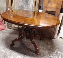 Antik barokk poklabu asztal