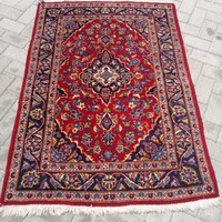 Kézi csomózású Iráni Kashan szőnyeg.102x137cm