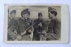 Katonai képeslap.