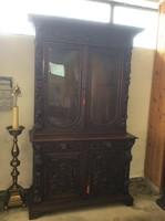 Antik bútor - tálalószekrény