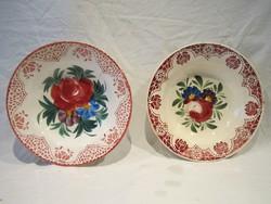 2 antik hollóházi festett keménycserép fali tányér