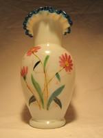 Antik fodros tetejű kézzel festett szakított huta üveg tejüveg váza