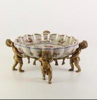 Barokk bronz  puttós-angyalkás porcelán kínáló-tál -asztalközép