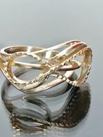 Mutatós ezüst gyűrű