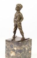 Síelő kisfiú-Skier boy -bronzszobor -bronz sculpture
