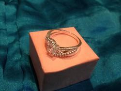Csinos ez a szépséges gyűrű