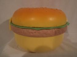 Hamburger alakú uzsonnás doboz - 14 x 9 cm - nem használt