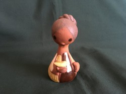 Madaras kerámia kislány figura